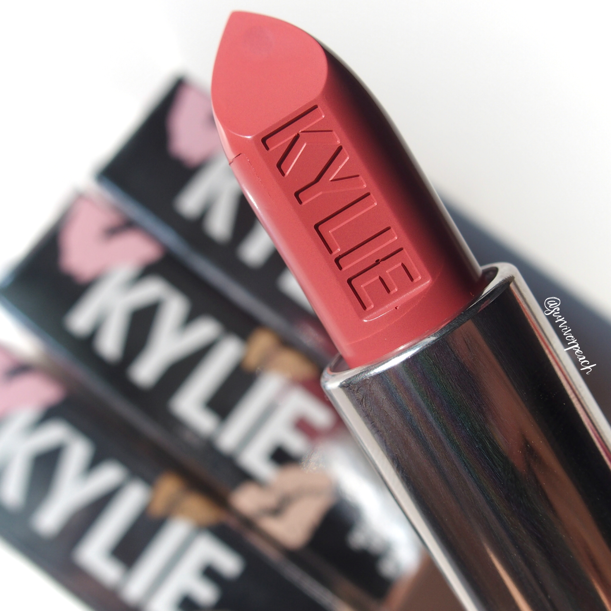 Kylie Cosmetics Creme lipstick in shade Puppy Love
