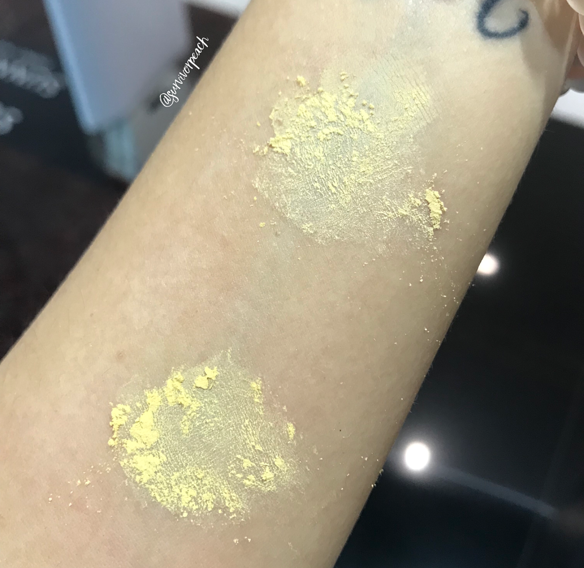 Huda Beauty Easy Bake Powder swatches - Blondie and Kunafa