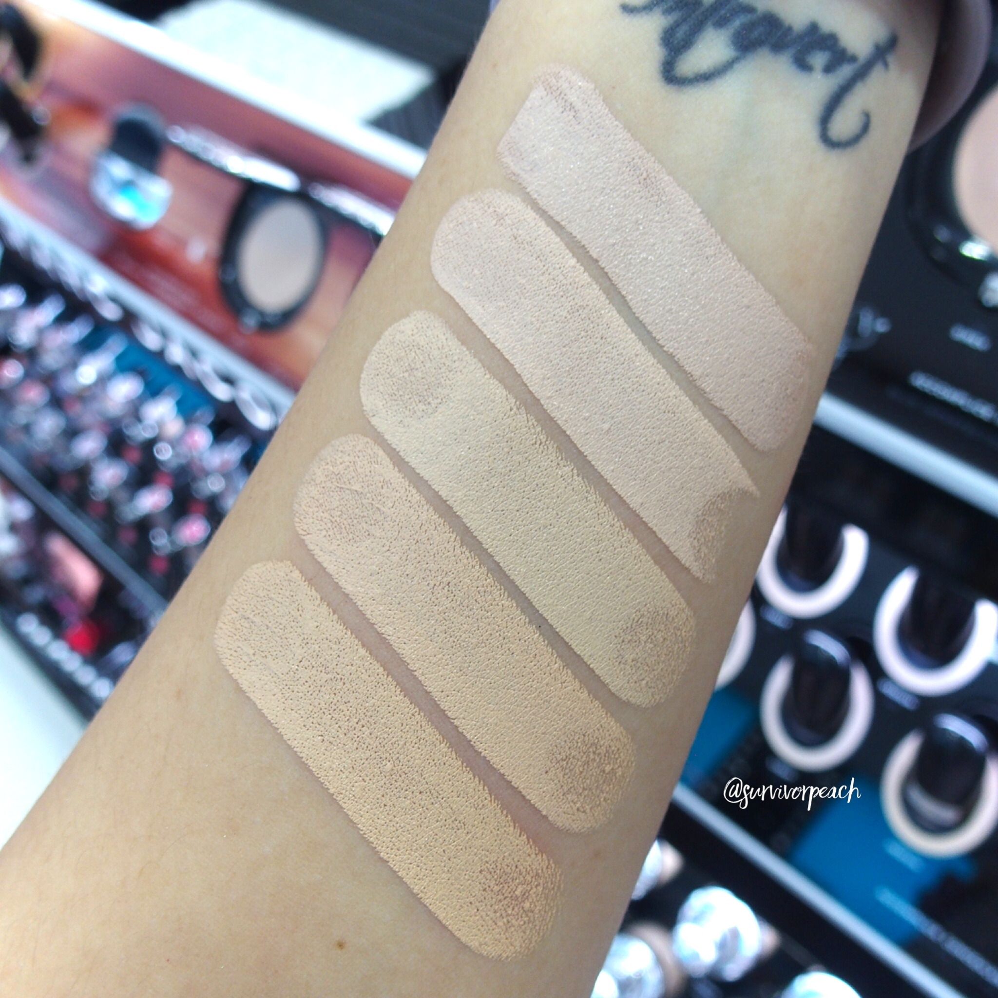 Marc Jacobs Accomplice Concealer & Touch Up Stick swatches - Light