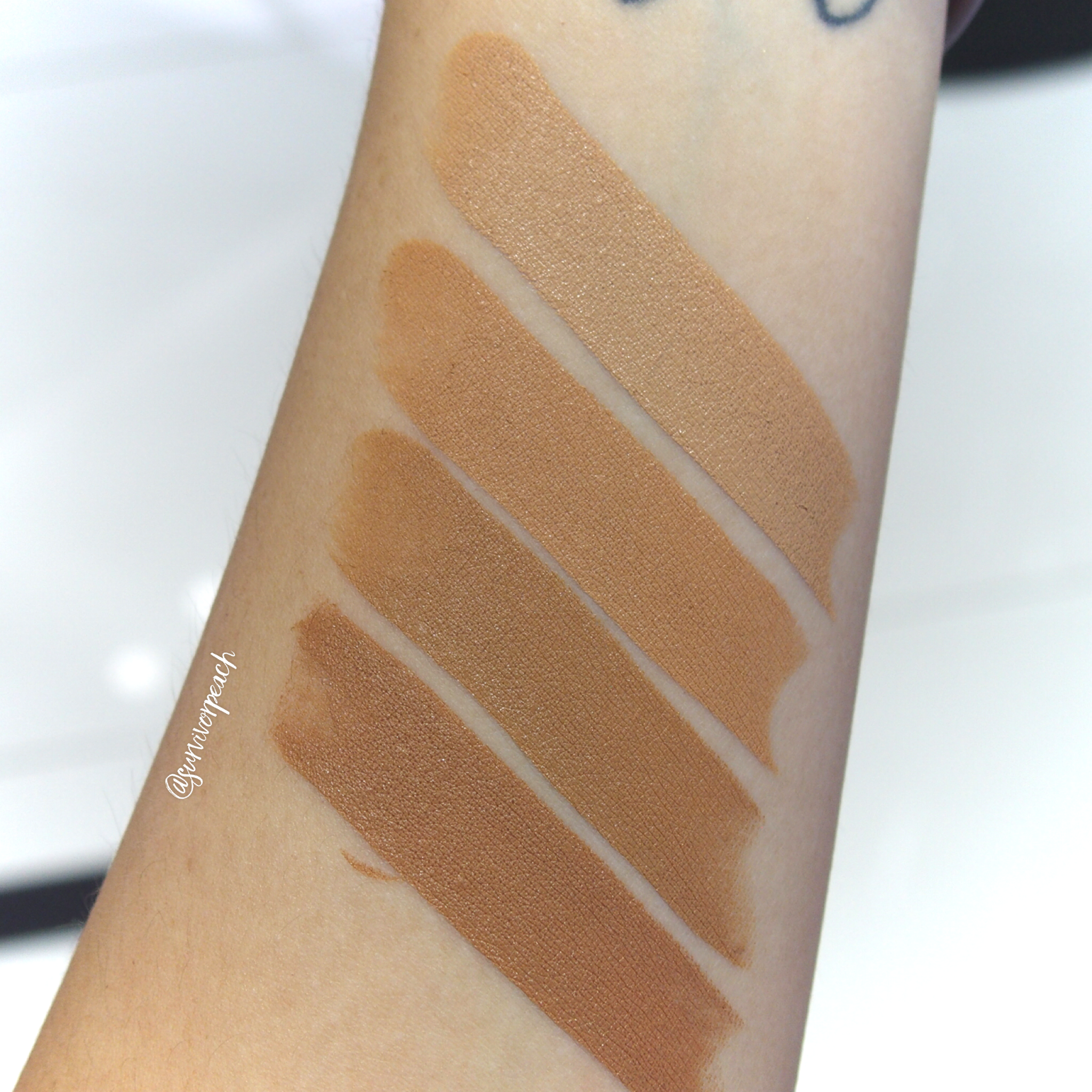 Marc Jacobs Accomplice Concealer & Touch Up Stick swatches - Tan