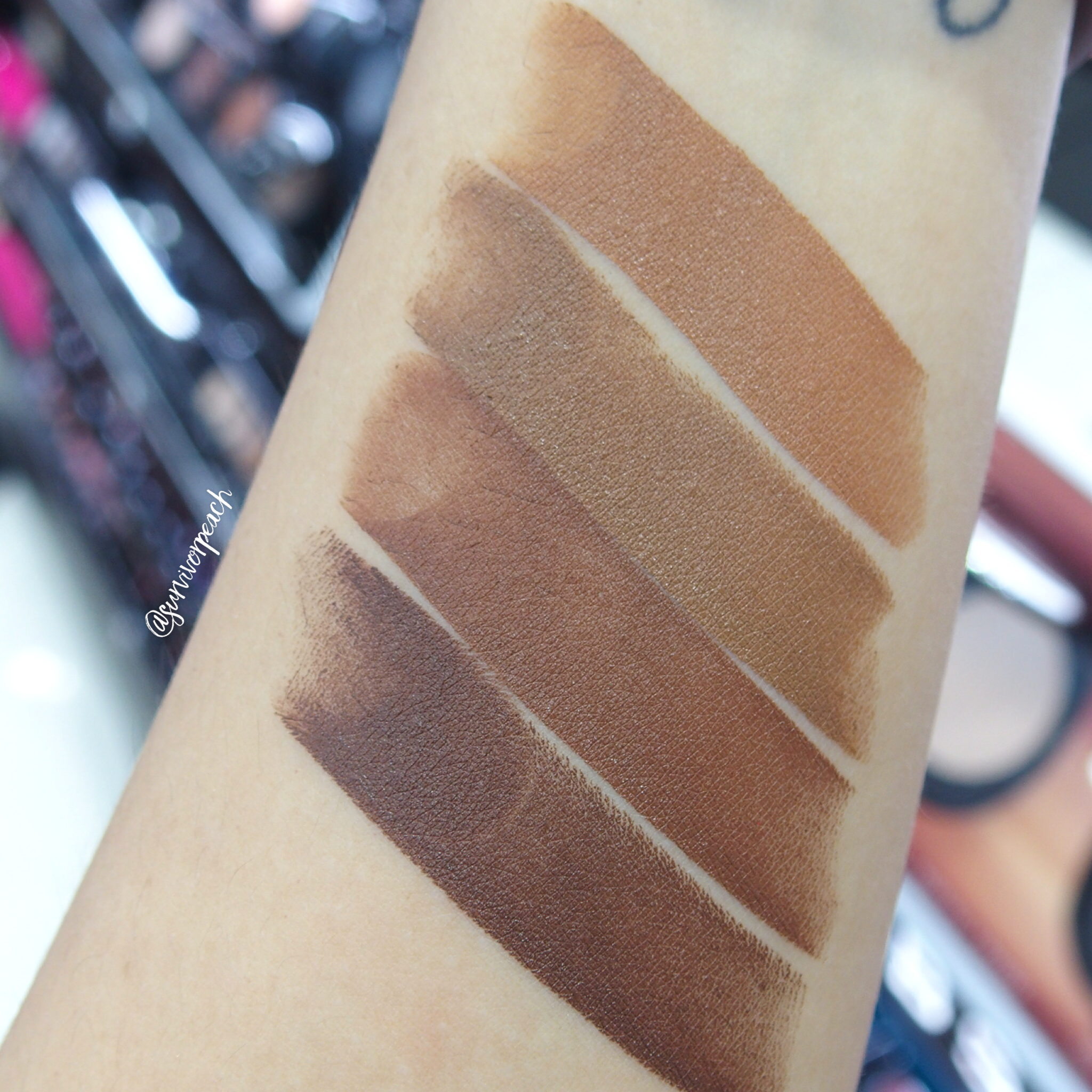Marc Jacobs Accomplice Concealer & Touch Up Stick swatches - Deep