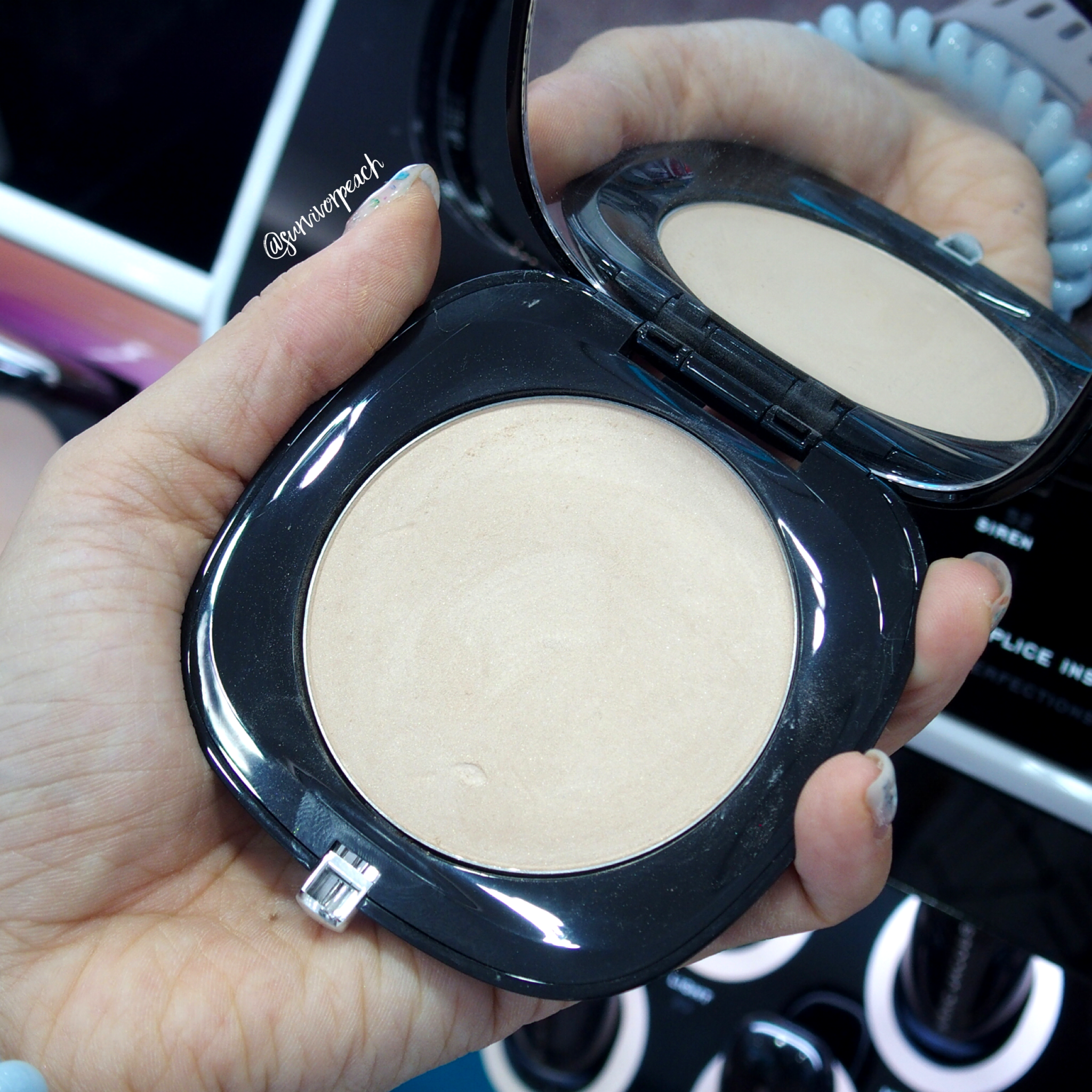 Marc Jacobs Accomplice Instant Blurring Beauty Powder - Ingenue