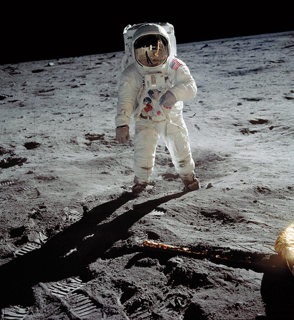 time-100-influential-photos-neil-armstrong-nasa-man-moon-64.jpg