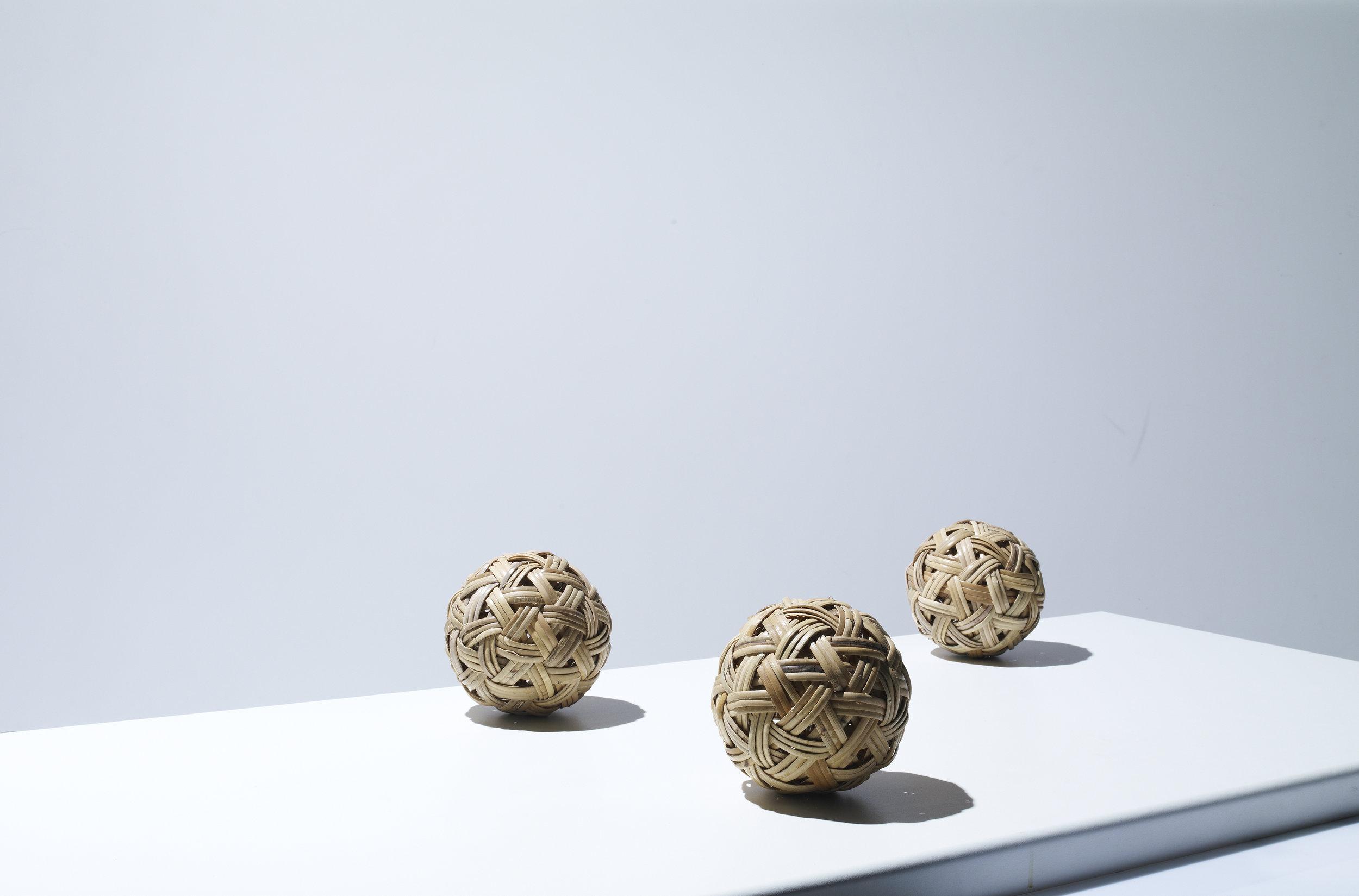 3balls_016.jpg