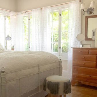 Cozy updates for a 1908 New York Colonial