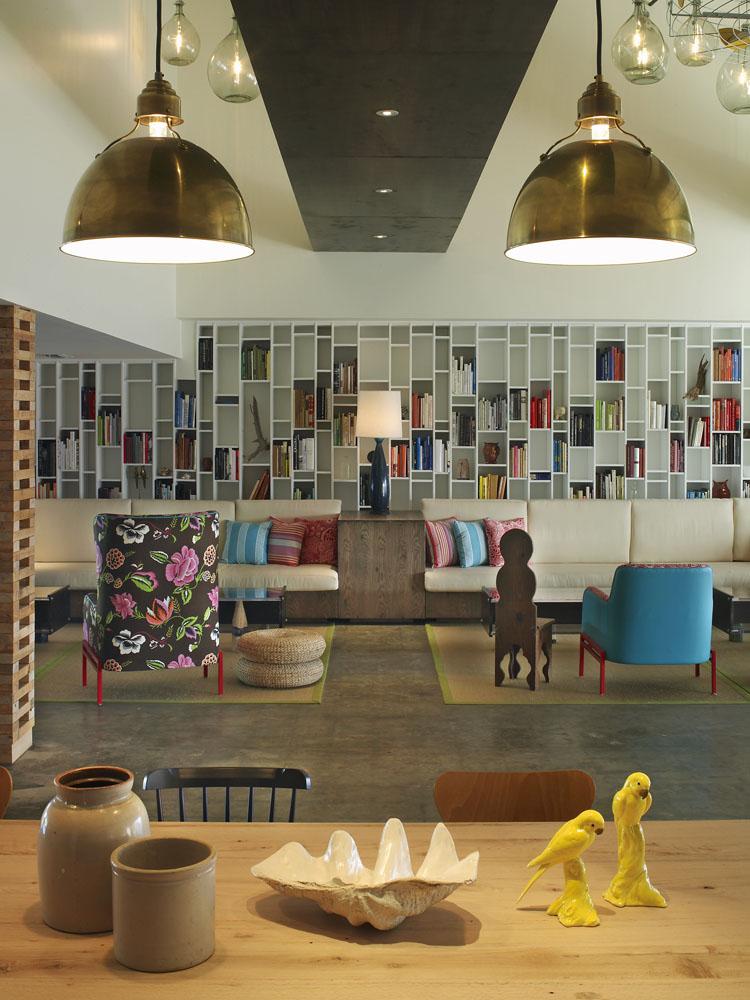 Postcard Inn Lobby 03.jpg