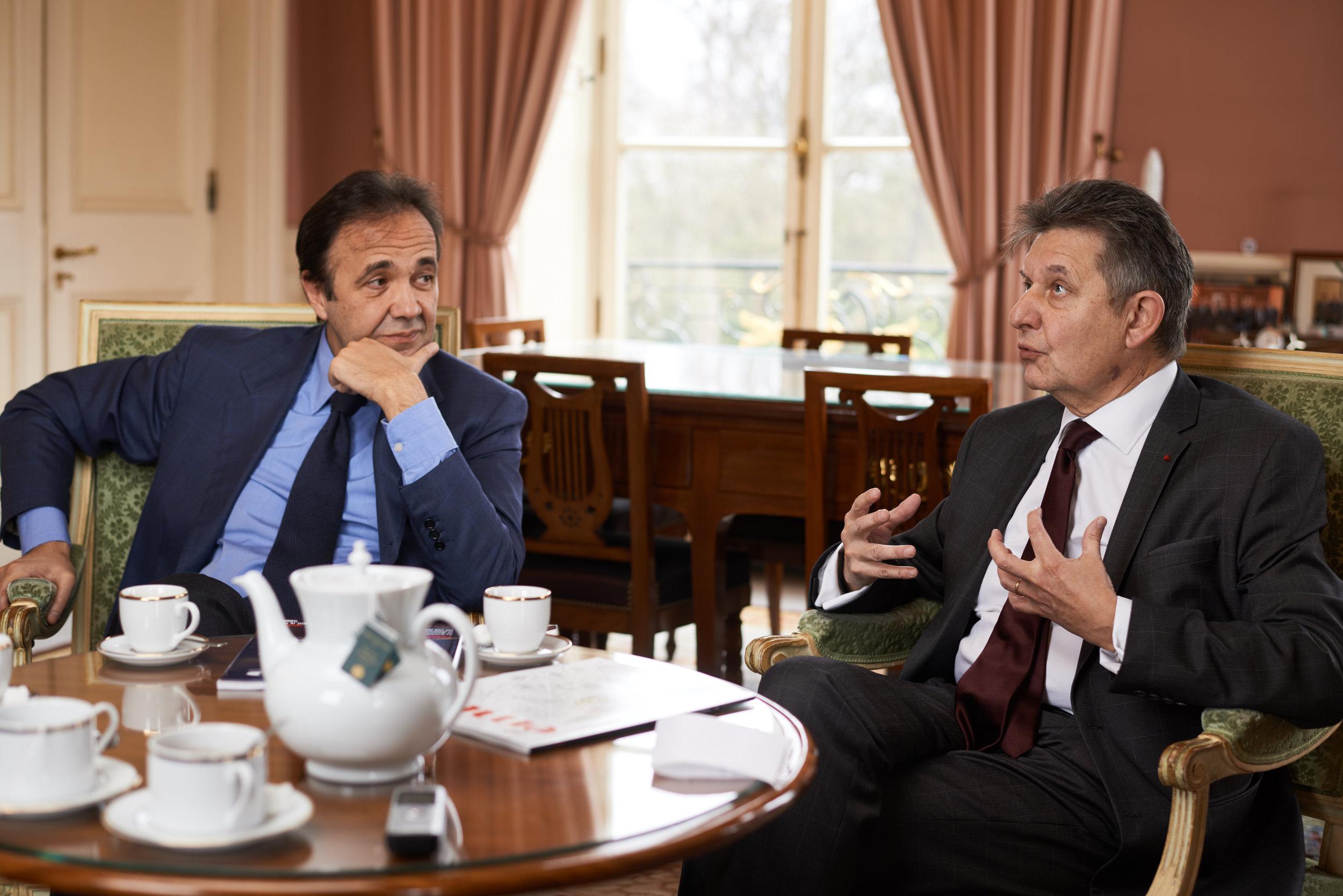 Frédéric Salat-Baroux, secrétaire général de l'Élysée sous Jacques Chirac, et Jean-Pierre Jouyet, secrétaire général de l'Élysée sous François Hollande (crédits : Manuel Braun)