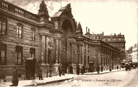 L'entrée du Palais de l'Élysée en 1900