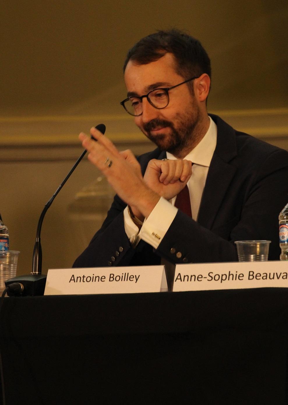 """""""France TV connait une ouverture à la concurrence depuis 35 ans, pourtant nous sommes un service public à part entière."""" - — Antoine Boilley"""