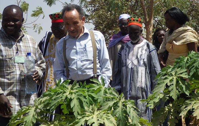 Pierre Rabhi au Burkina Faso.