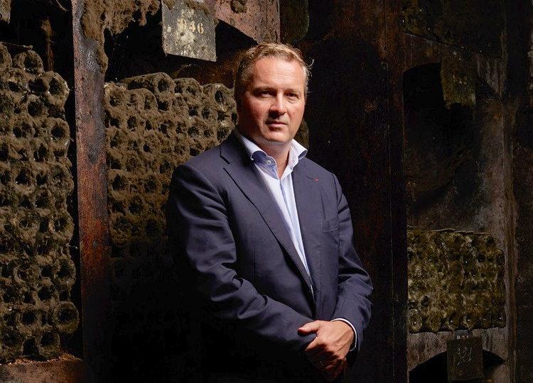 Louis-Fabrice Latour dans ses caves (Crédits photo : Manuel Braun)