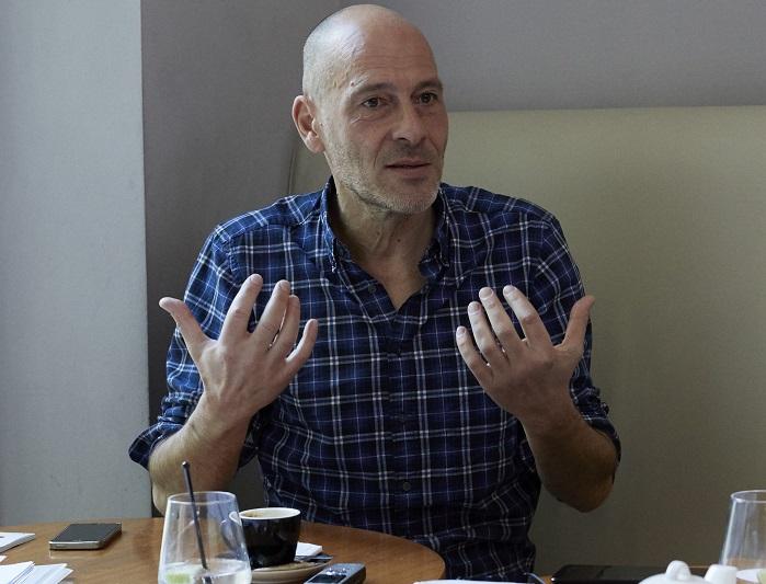 « Notre modèle est de plus en plus inégalitaire : nos sociétés sont redevenues ce qu'elles étaient avant-guerre. » - — Christophe Guilluy