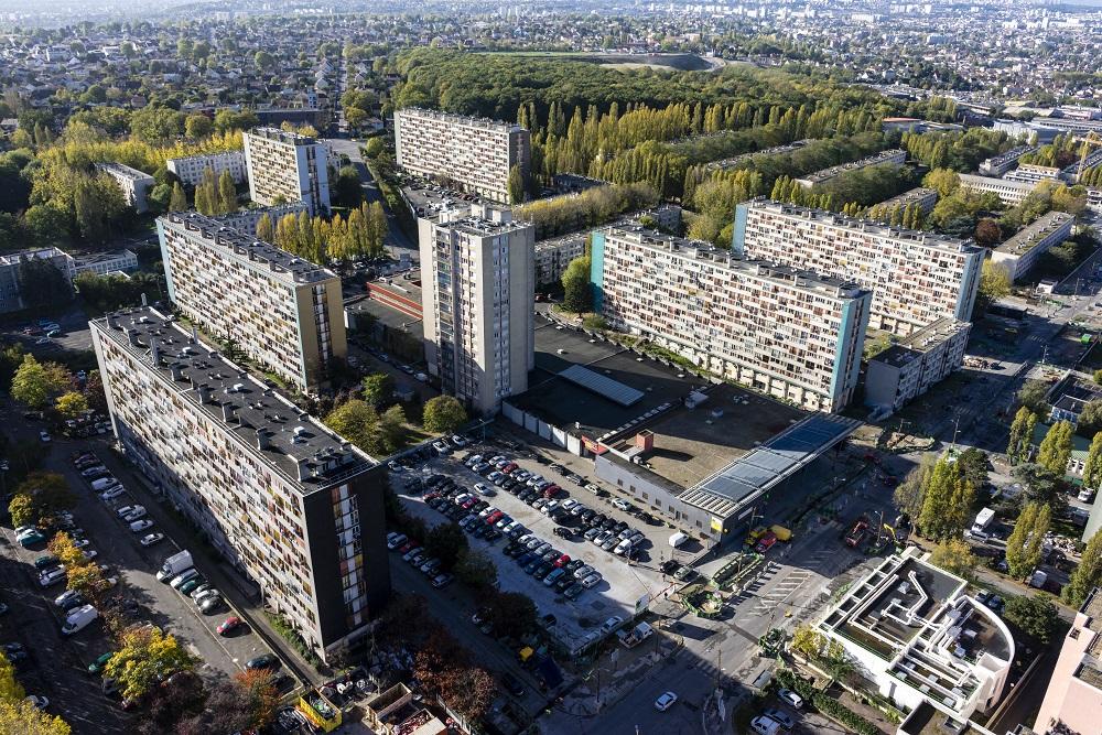 Le quartier du Chêne Pointu, à Clichy-sous-Bois, fait partie de l'opération Cœur de ville, censée faire renaître ce secteur de la ville. Crédits photo : Philippe Stroppa