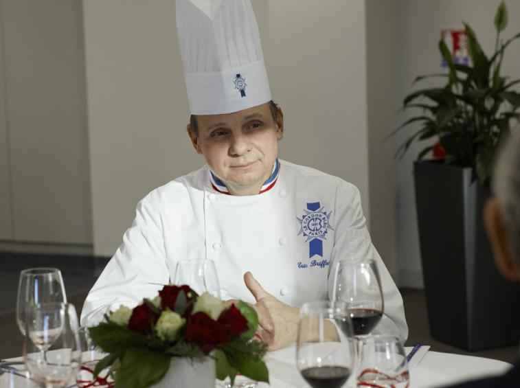 « Aujourd'hui, la cuisine française se recentre : on revient à la naturalité et au local. » - — Éric Briffard, chef