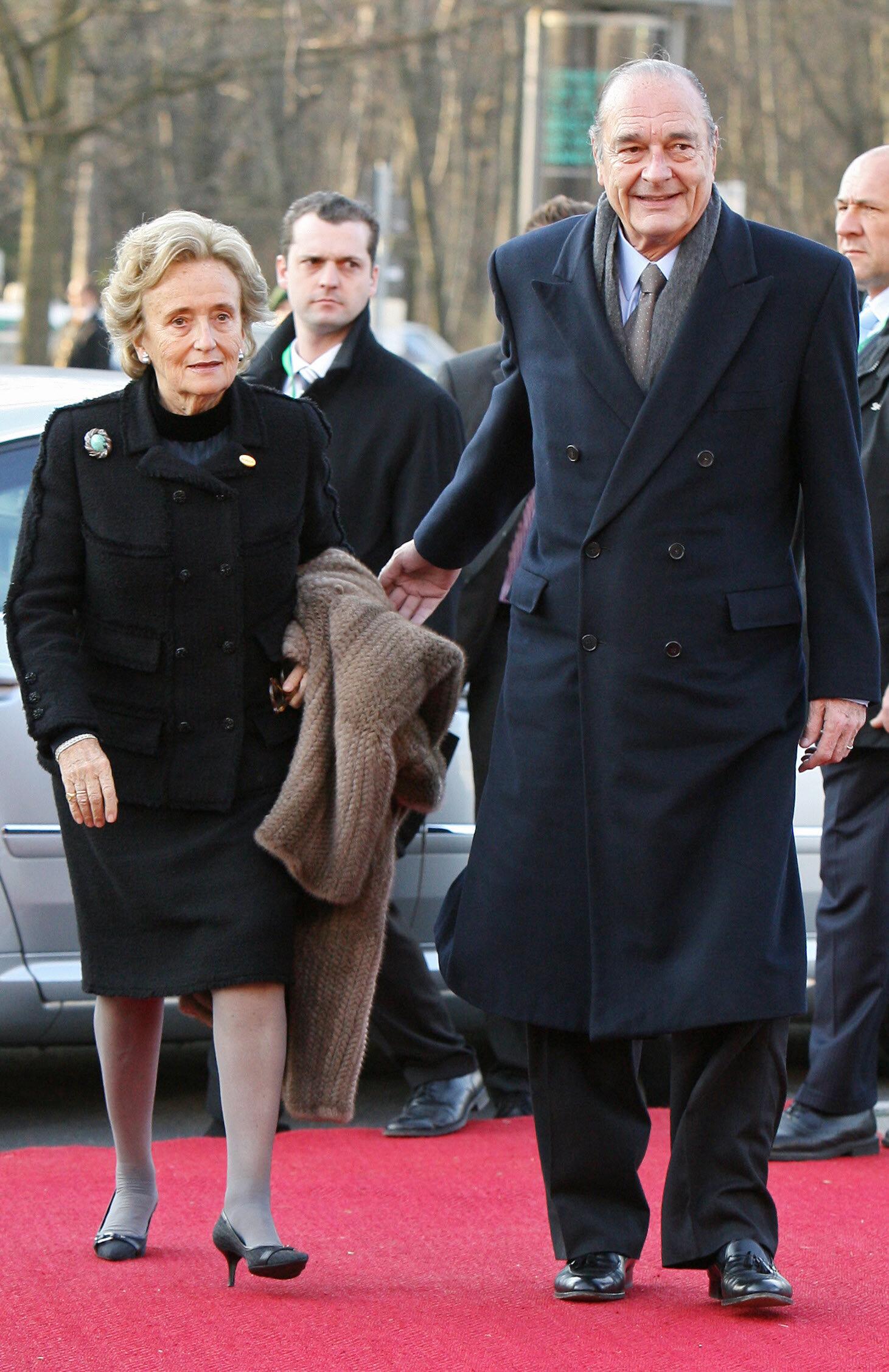 Le président Jacques Chirac et sa femme, le 24 mars 2007, se rendant à la Philarmonie de Berlin pour les célébrations du 50e anniversaire du Traité de Rome. © PATRICK KOVARIK/AFP