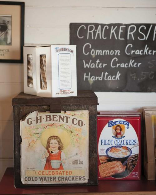Crackers_Tins