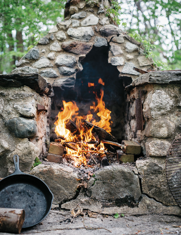 EB46-EC-Campfire-6046.jpg