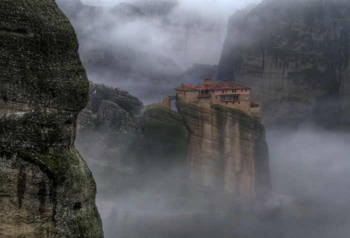 stunning_mountain_top_house-scaled1000.jpg