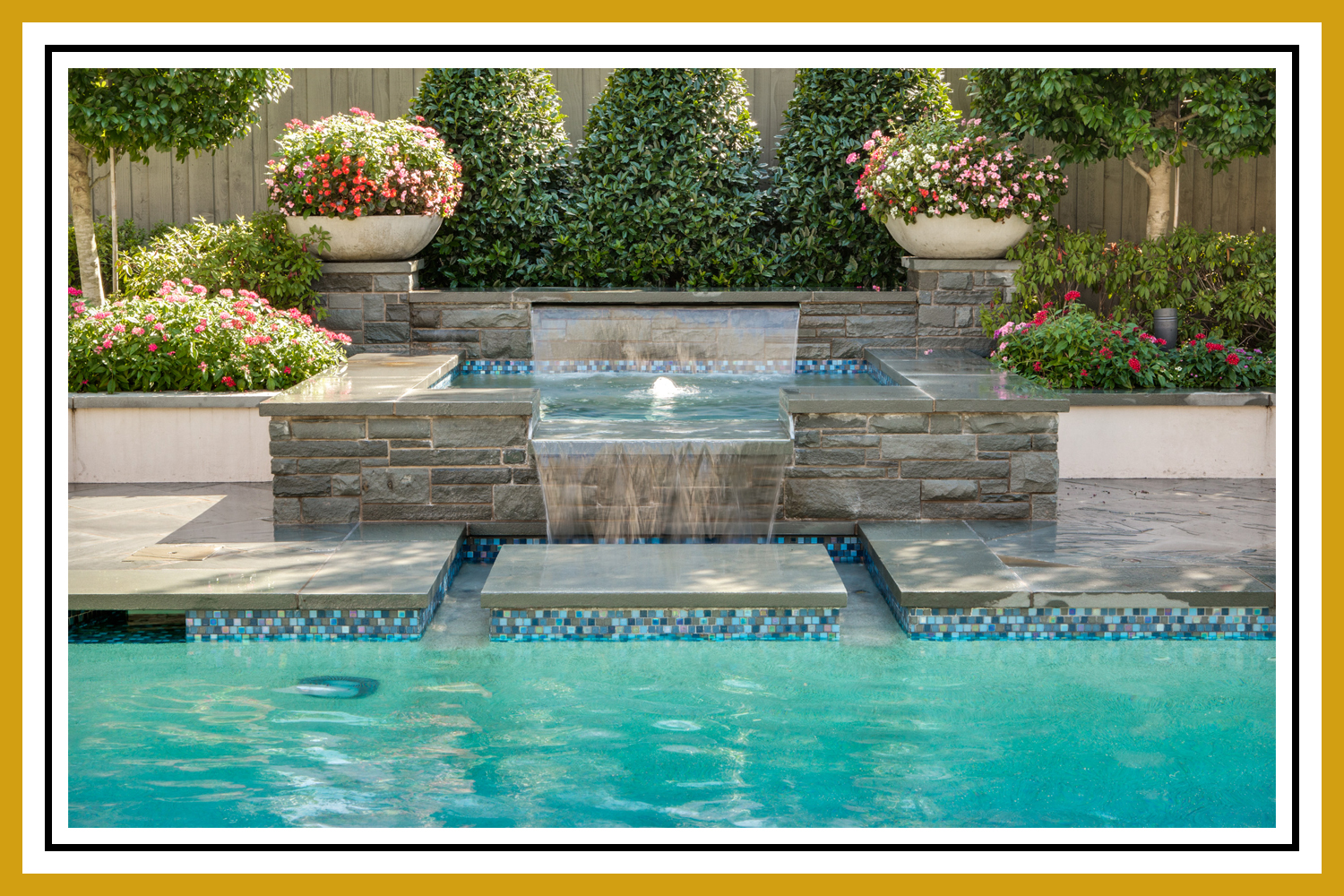 POOLS & OUTDOOR SPACES
