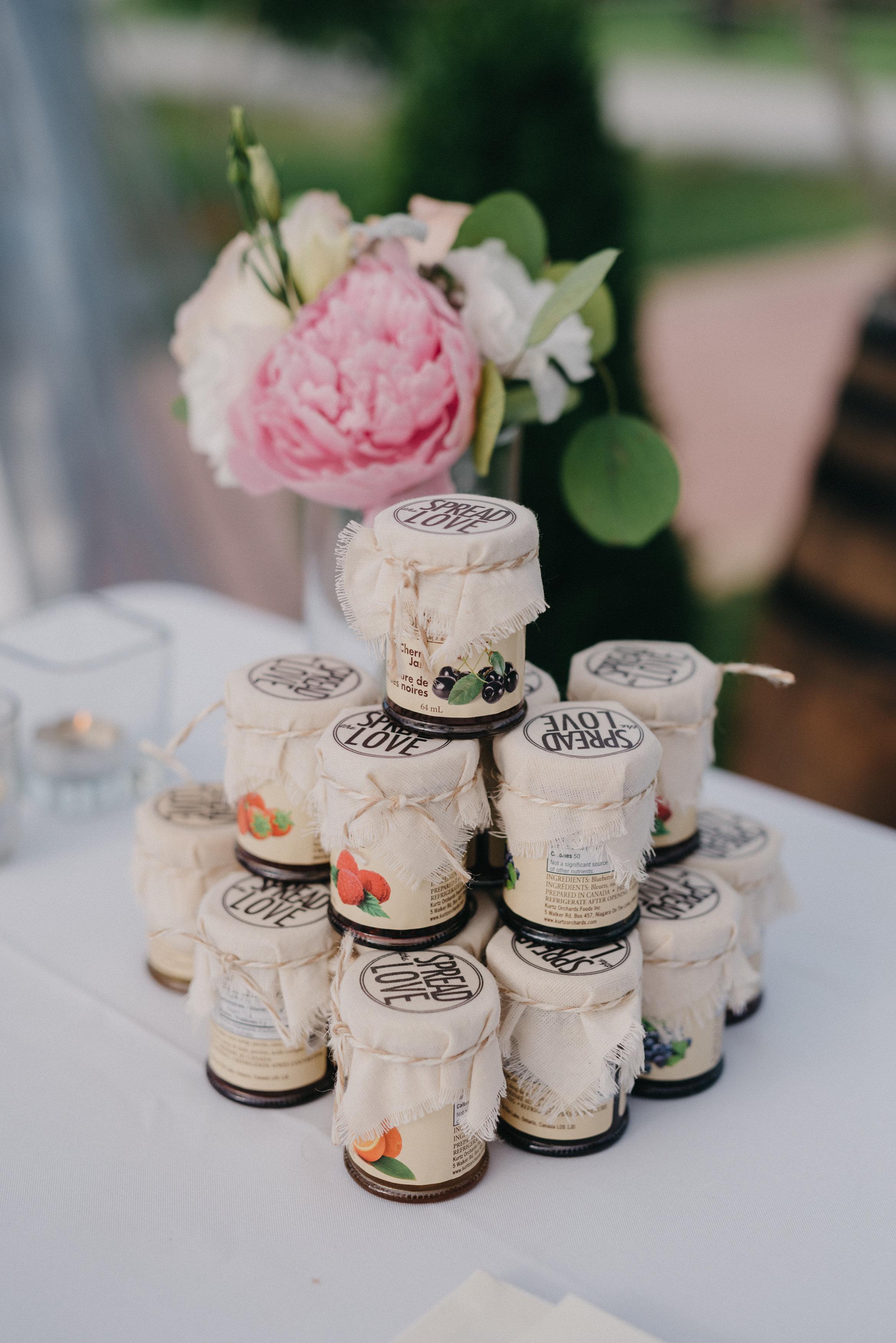 megan_adam_kurtzorchard_niagara_wedding-478.jpg