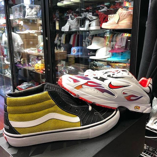 Just in, Supreme Air Streak sz 11, Vans sz 10.5. Both DS first come first serve