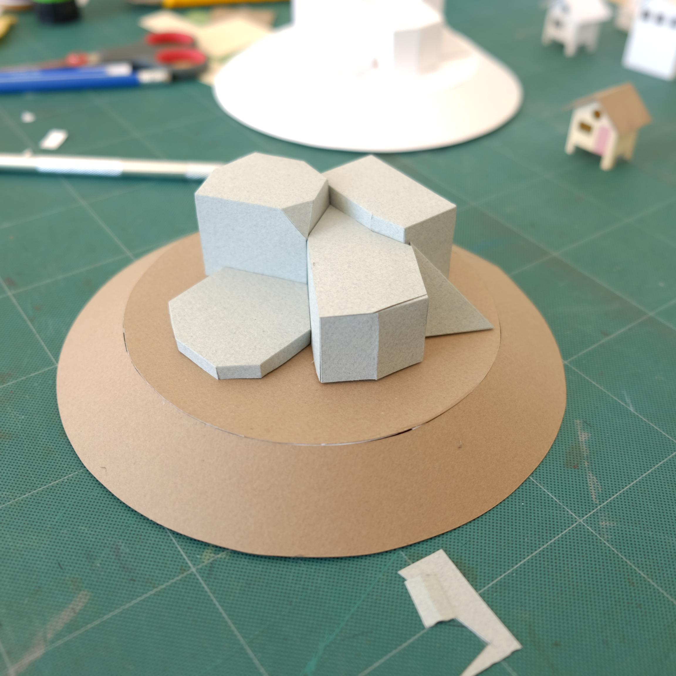 Base de décor rotatif  Papier, bois, acier