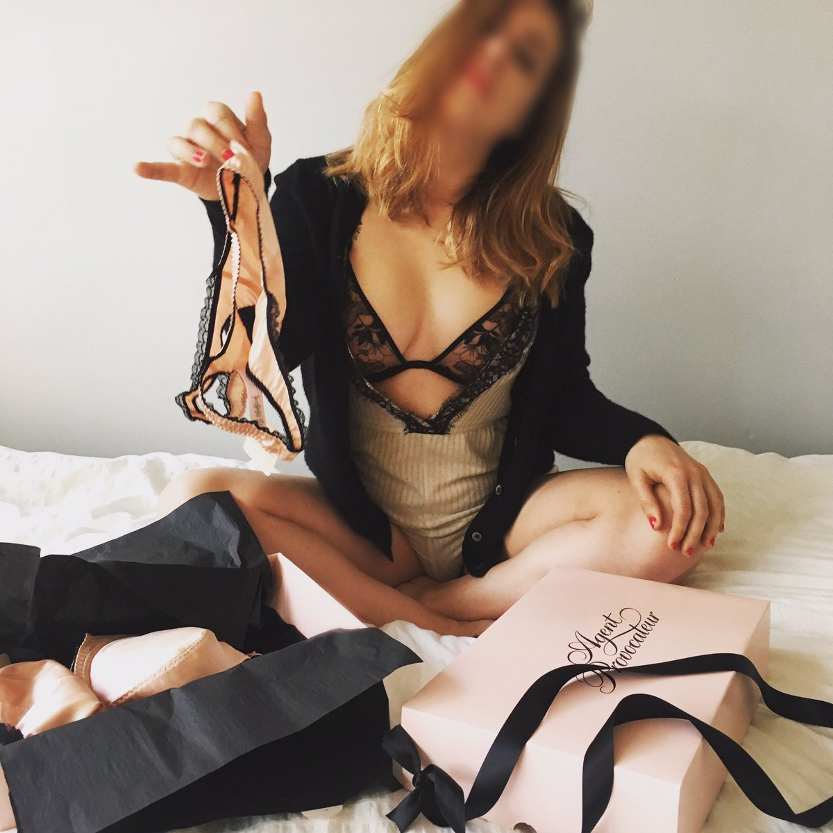 Independent Toronto Escort + Companion + International Travel Companion