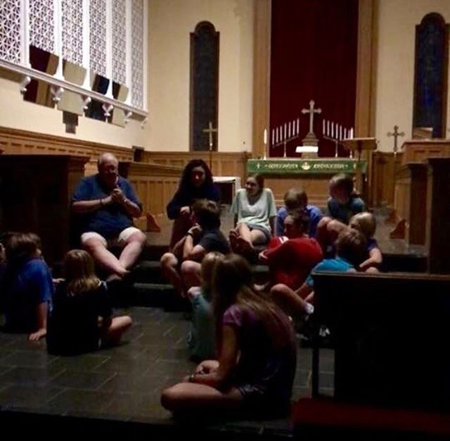 Youth and upcoming youth had so much fun at the acolyte training lock in! Big thanks to everyone who helped get us prepared to serve and to Reggie for the goood bed time stories!