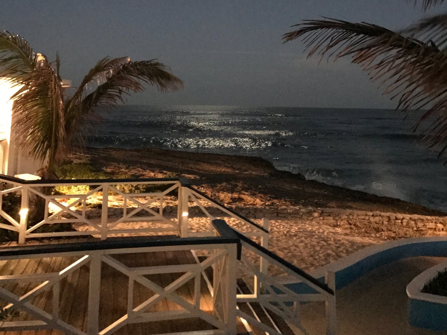 Abaco Inn - Next Door to Blue Moon Cottage