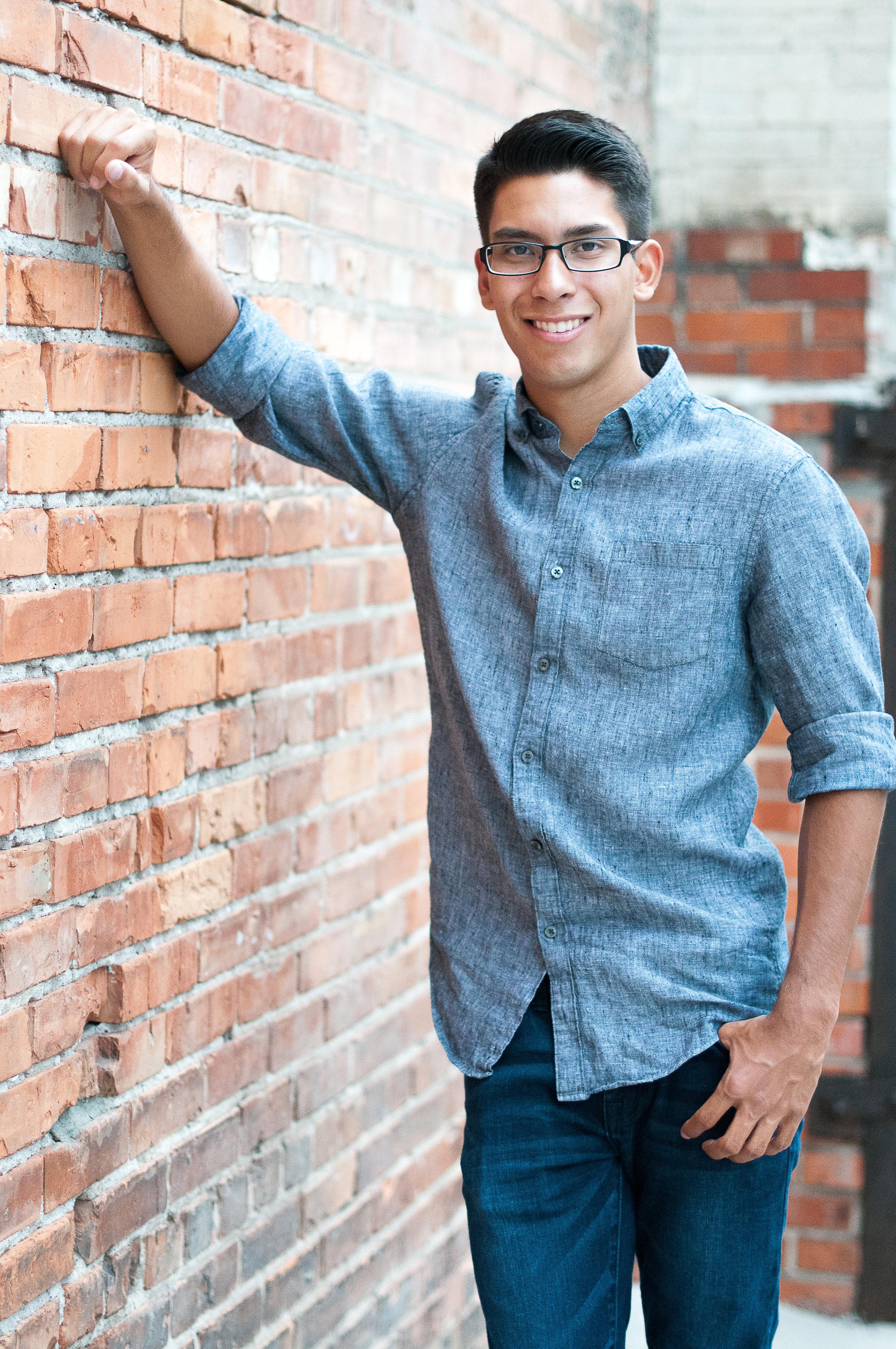 Noah Senior Photos-0104.jpg
