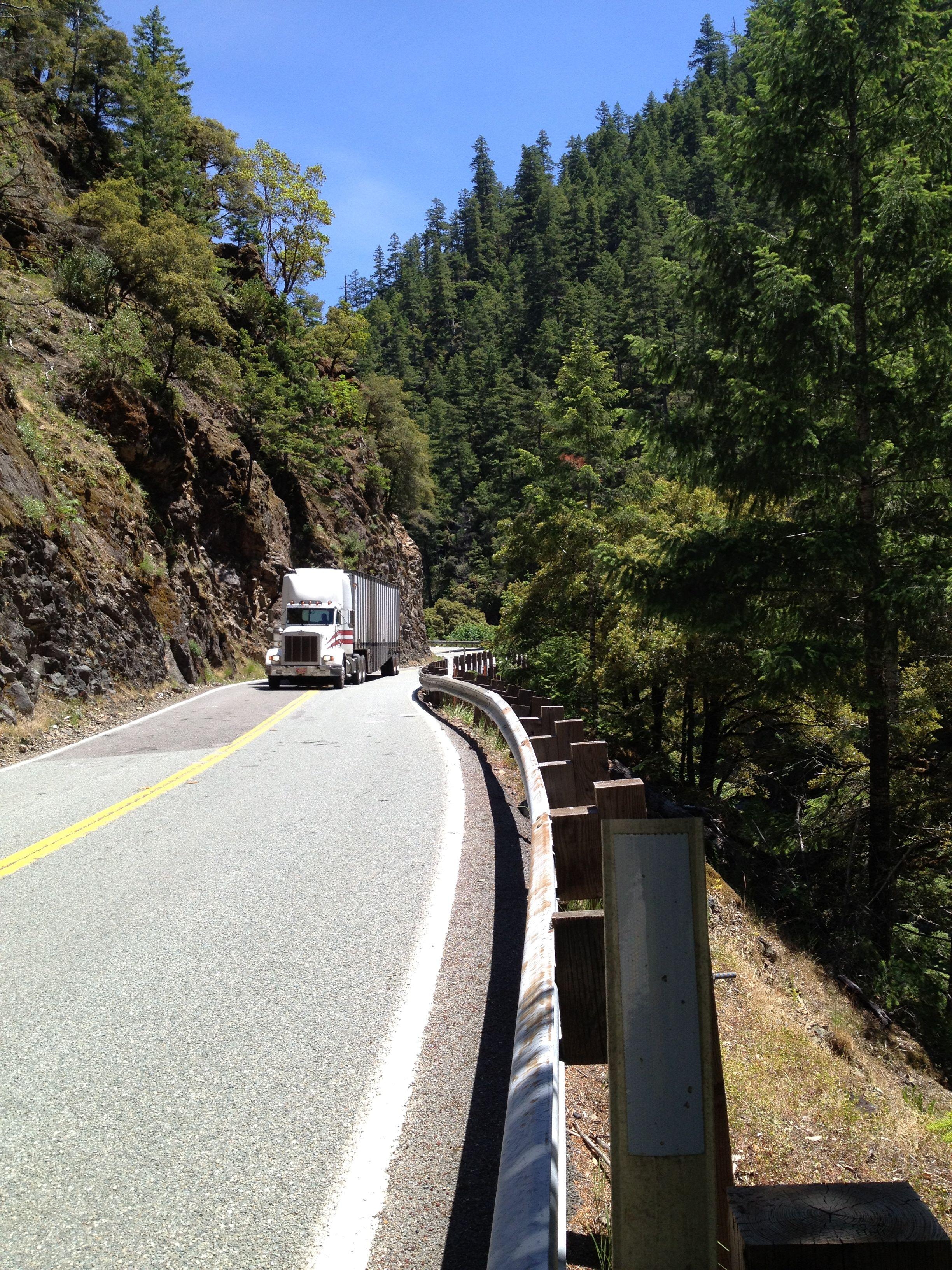 White-truck-offtracking.jpg
