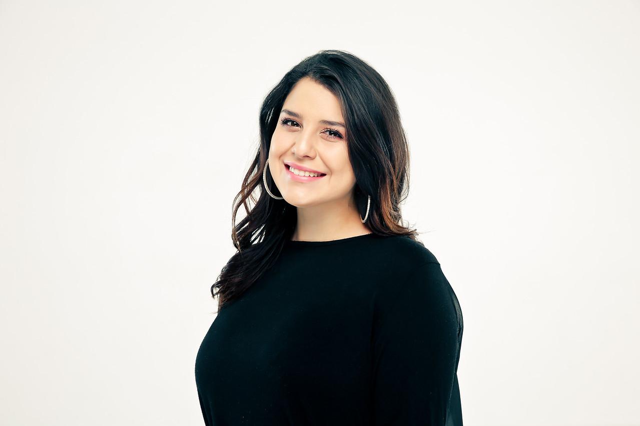 Elizabeth Grado- THE OWNERS RIGHT HAND/ CO-STYLIST