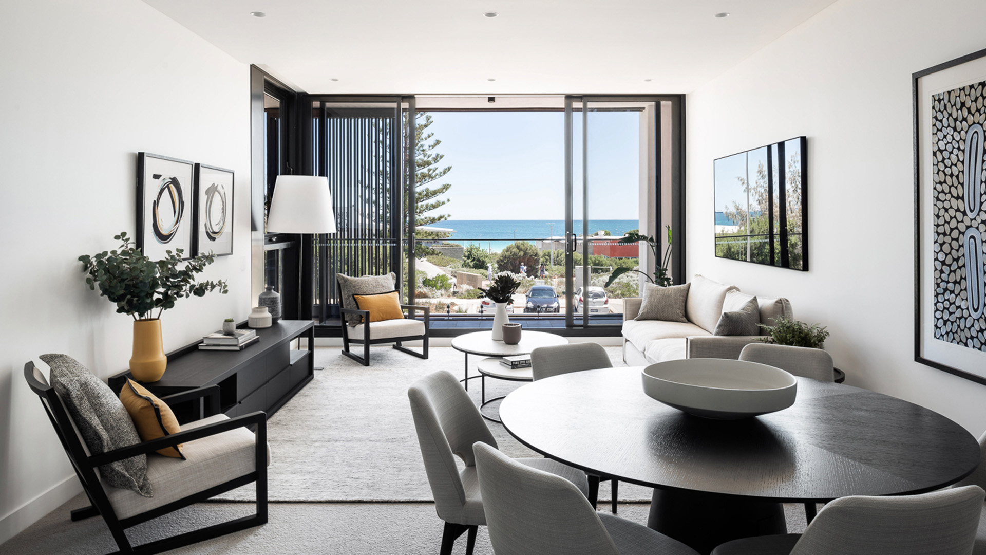 LEIGHTON BEACH APARTMENTS WA Room 2.jpg