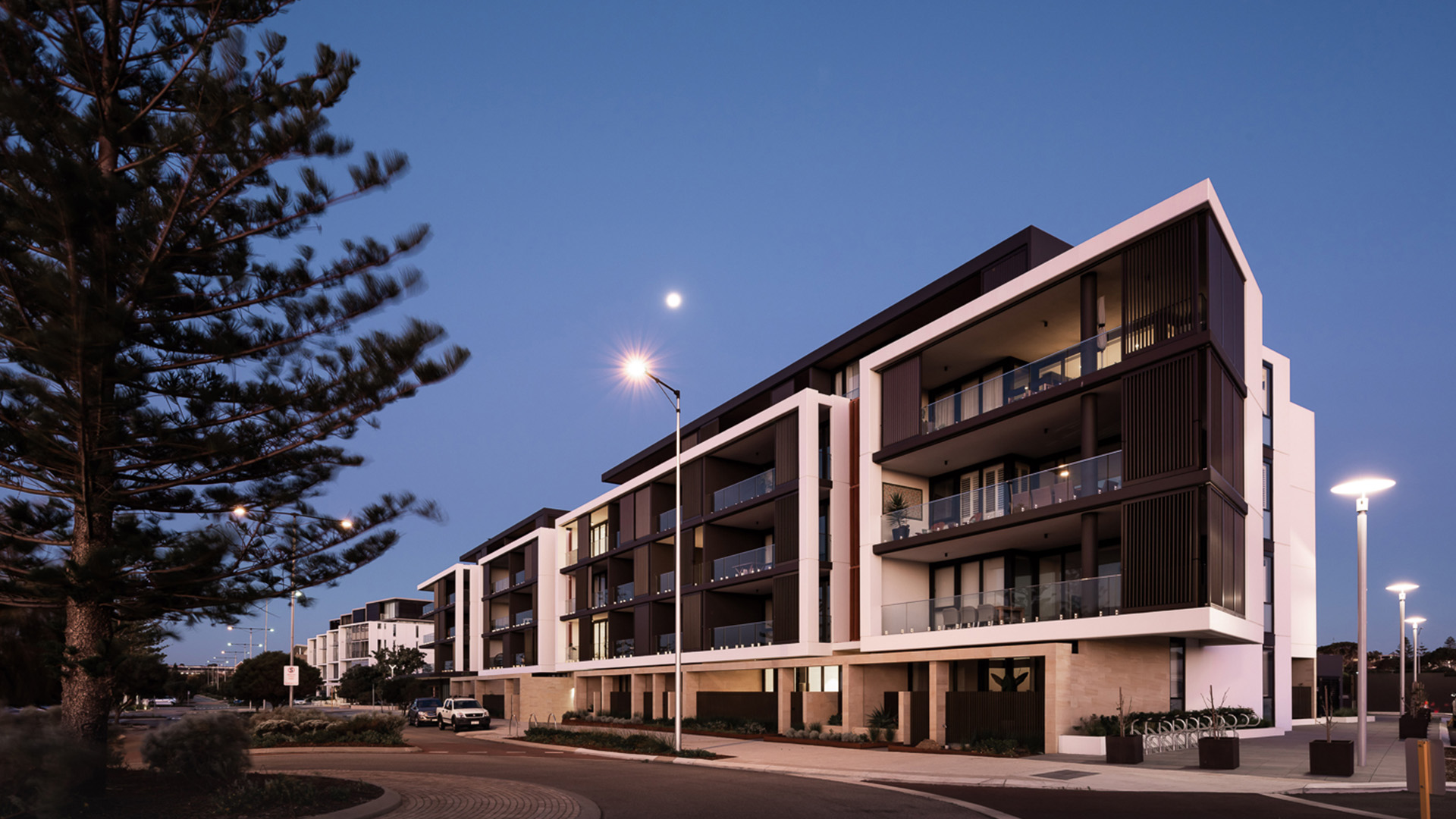 LEIGHTON BEACH APARTMENTS WA Room 3.jpg