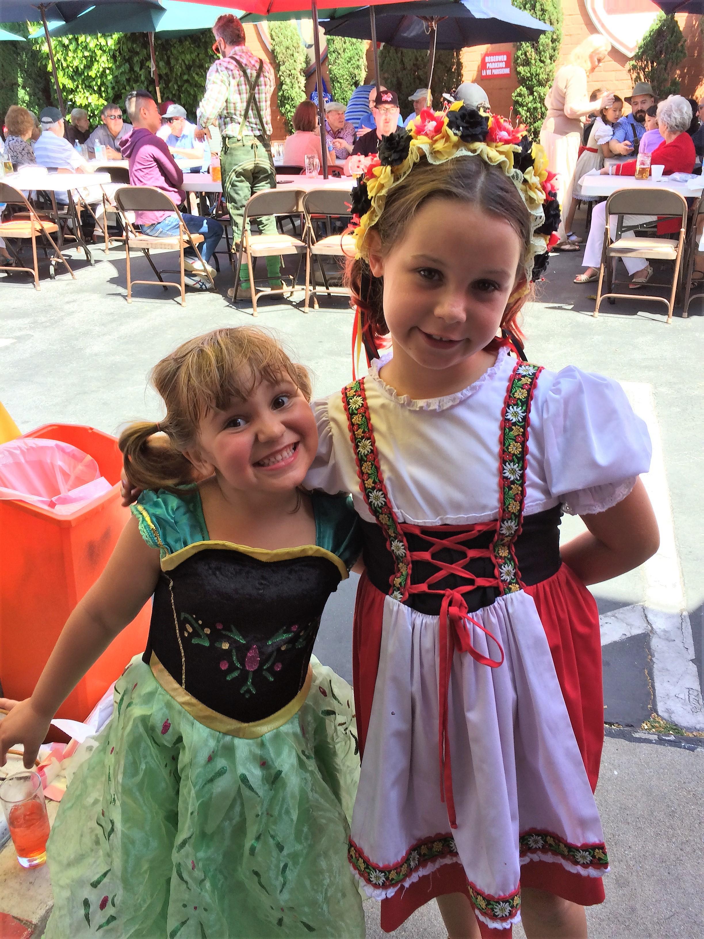 Two cute girls.JPG