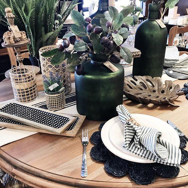 Glorious textures all over this table! 🌿 #MyBoxwoodHome #boxwoodhomeandgift #houstonboutiques #houston #kingwood #atascocita #humbletx #homedecor #springdecor