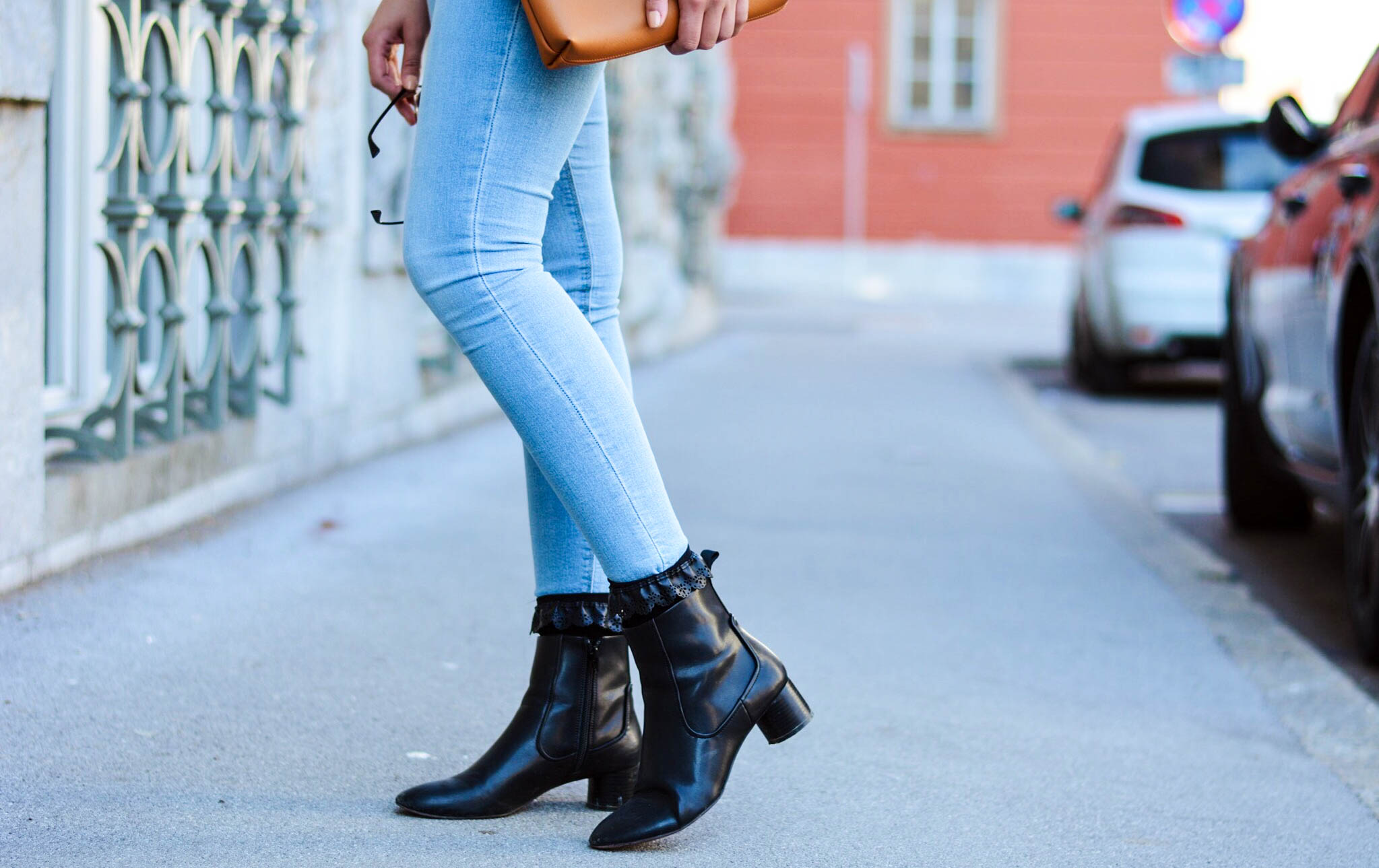 mainstream chic boots