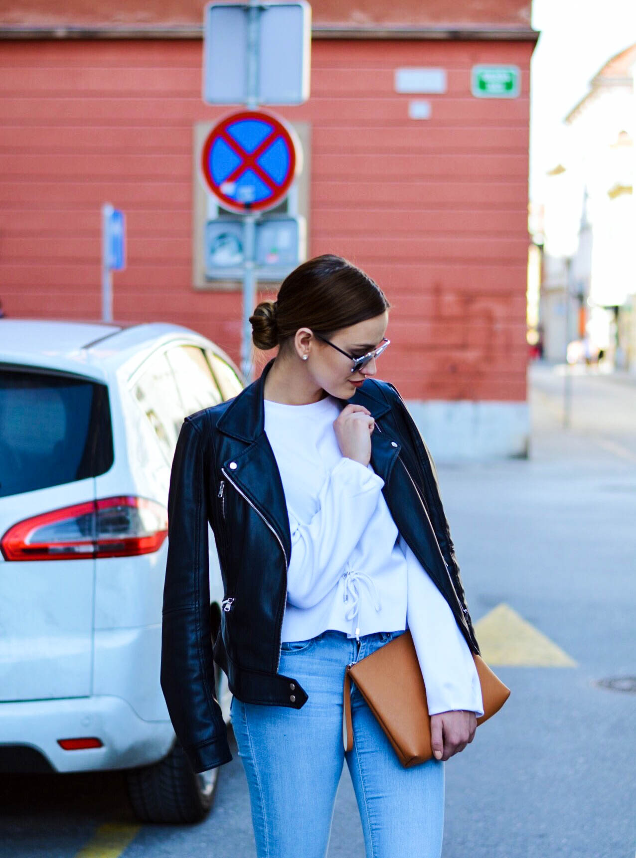 SHIRT  STRADIVARIUS  / JACKET & SHOES  ZARA  / JEANS  H&M  / BAG  C&A  / GLASSES  DIOR  / SOCKS  CALZEDONIA