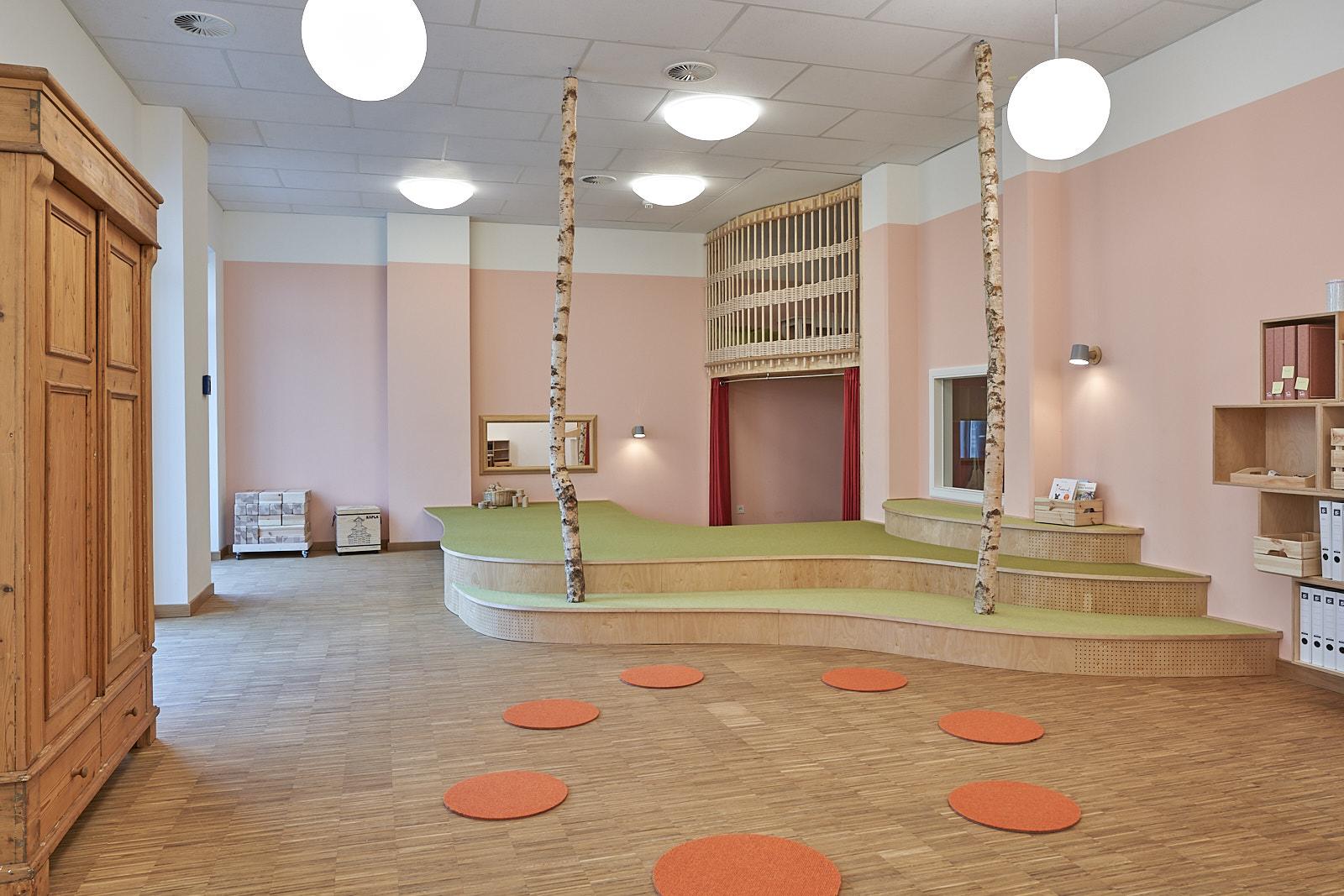 Hamburg, Neue Mitte Altona, Moete, Kita Sandvika, Bauraum, Baupodest, Rollenspiel, Kita, Kindergarten, Kindertagesstätte, Krippe 01.jpg