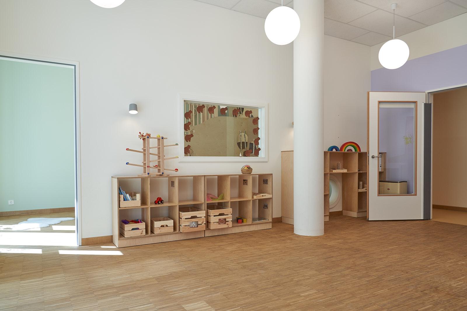 Hamburg, Neue Mitte Altona, Moete, Kita Sandvika, Krippe, U3, Kita, Kindergarten, Kindertagesstätte, Schlafpodest, Krippe 03-01.jpg
