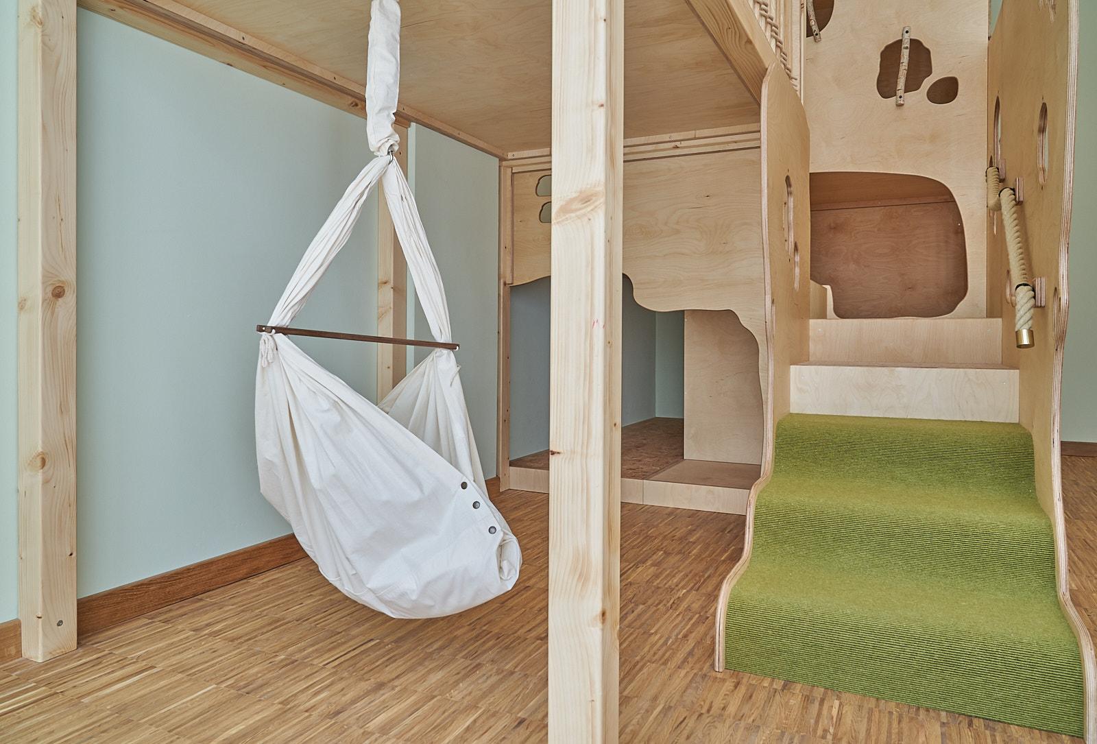 Schlafpodest, Kita, Kindergarten, Kindertagesstätte, Ruhe, Schlafen 01.jpg