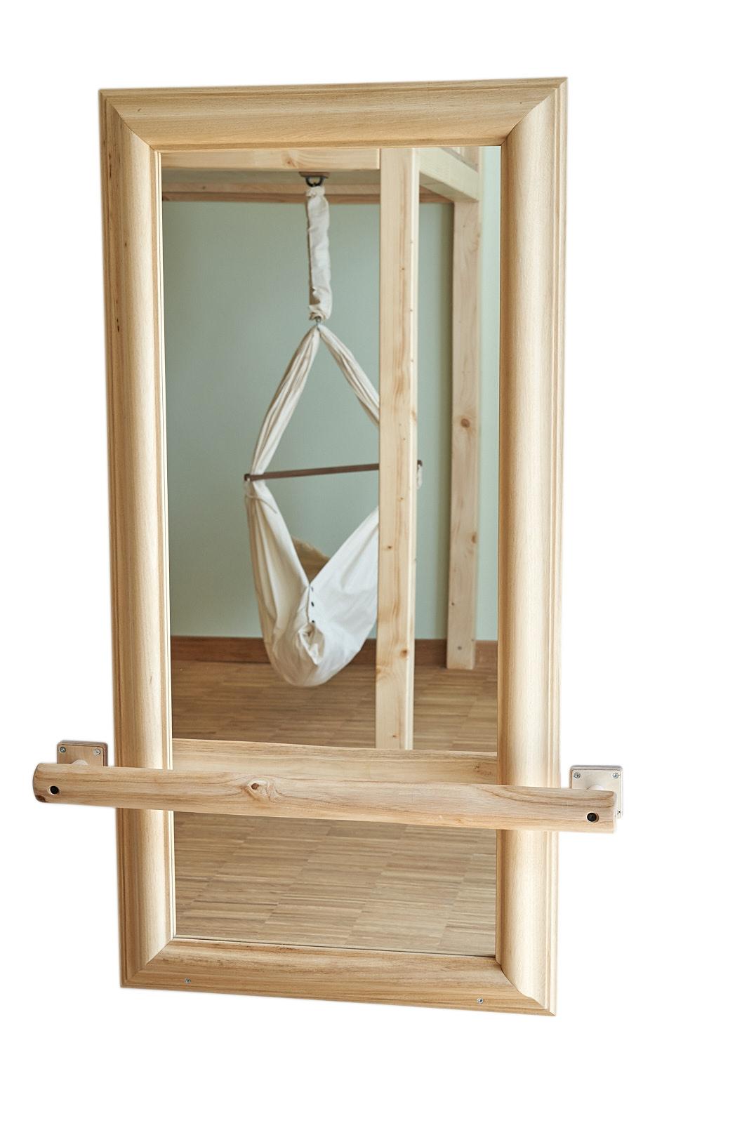 Wandspiegel mit Handlauf