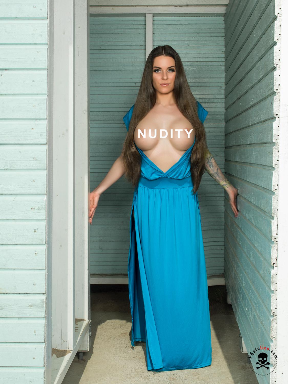 Irina Tundra - Nudity
