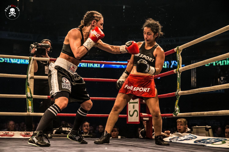 Eva Wahlström vs. Natalia Vanesa del Valle Aguirre - WBC World female super featherweight title match 2015