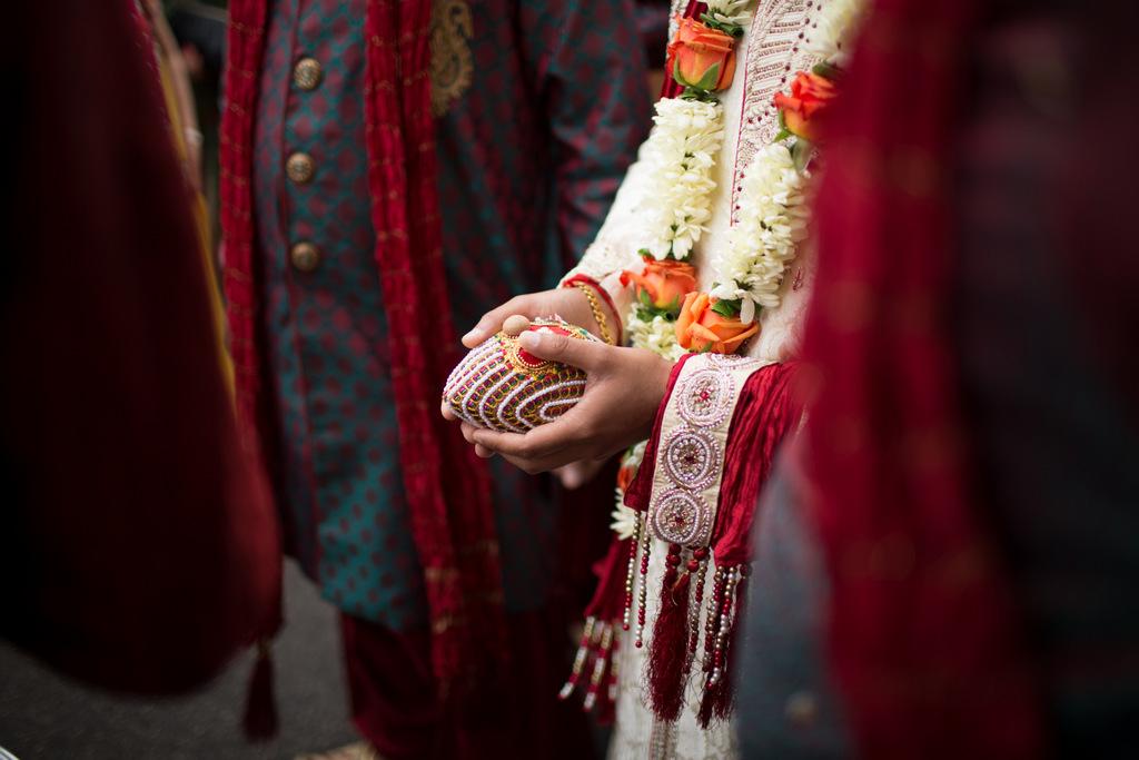 london-into-candid-wedding-photography-sk-04.jpg