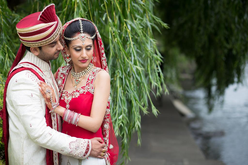london-into-candid-wedding-photography-sk-20.jpg