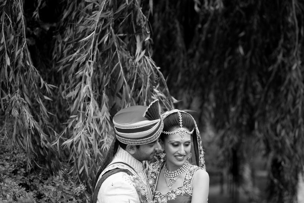 london-into-candid-wedding-photography-sk-21.jpg