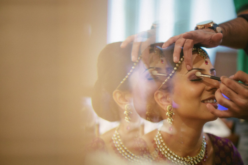 hindu-wedding-mumbai-into-candid-photography-dk-04.jpg