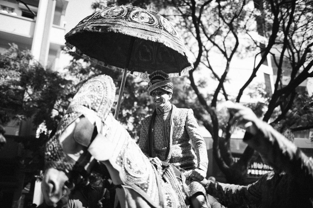 hindu-wedding-mumbai-into-candid-photography-dk-18.jpg