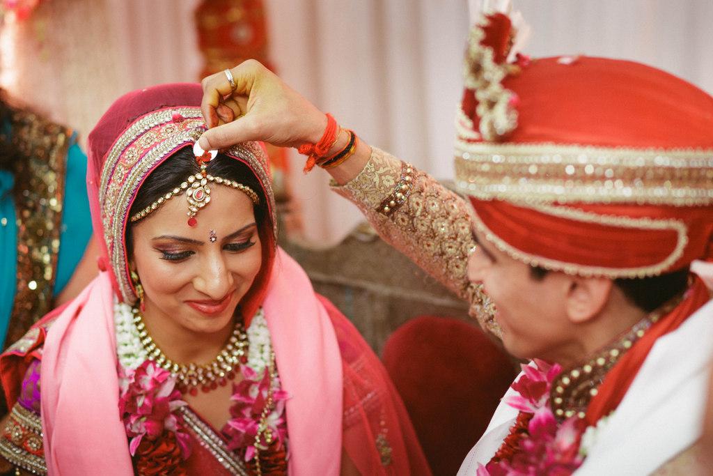 hindu-wedding-mumbai-into-candid-photography-dk-40.jpg